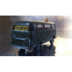 Brekina 33200 VW T2 - FOLLOW ME - Military Personnel Bus