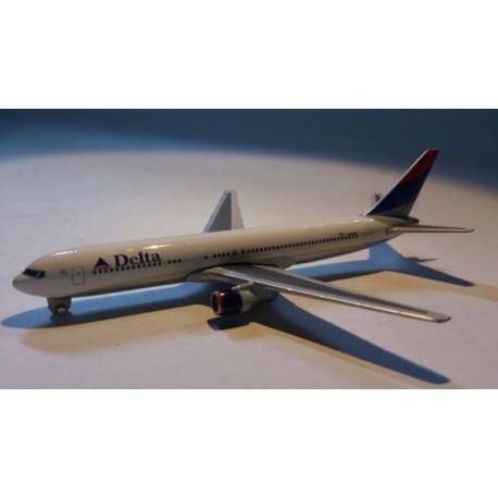 * Herpa Wings (Magic) Herpa Wings 470223 Delta Airlines Boeing 767 - 300