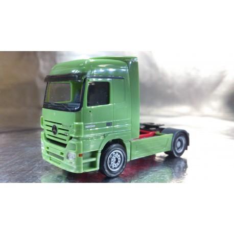 * Herpa Trucks 148795  Mercedes-Benz Actros LH '02 rigid tractor, 2a