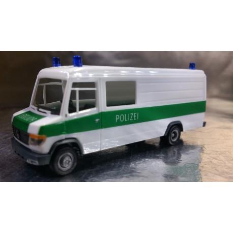 "* Herpa Cars 047746  Mercedes-Benz Vario ""Dusseldorf police department"""