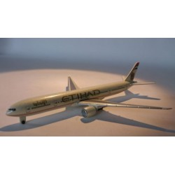 * Herpa Wings 470148 ETIHAD Airways Boeing 777-300ER Plane