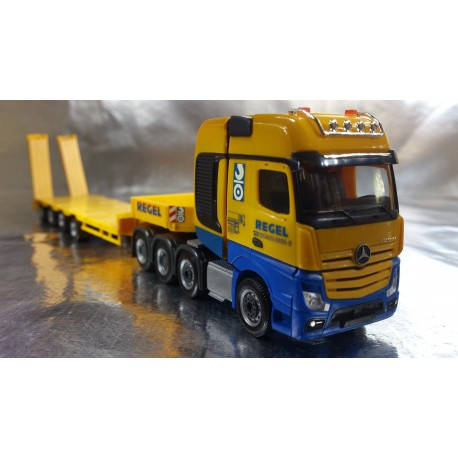 "* Herpa Trucks 306027  Mercedes-Benz Actros SLT low boy semitrailer ""Regel"""