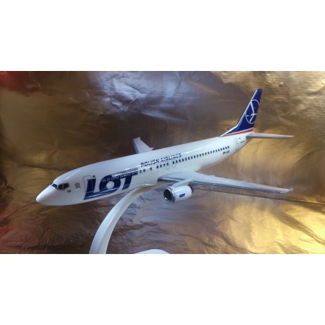 * Herpa Wings Snapfit 610612  LOT - Polish Airlines Boeing 737-400
