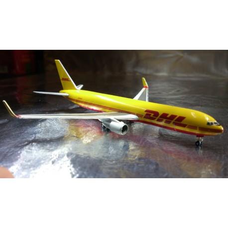 * Herpa Wings 526623  DHL Boeing 767-300F