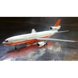 * Herpa Wings 529082  Tanker Air Carrier McDonnell Douglas DC-10-30