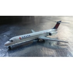 * Herpa Wings 528733  Delta Air Lines Boeing 717