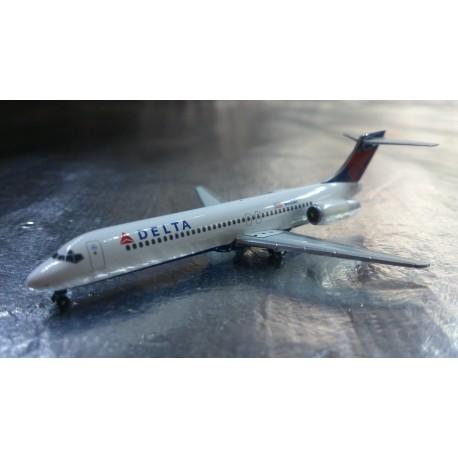 * Herpa Wings 528733  Delta Air Lines Boeing 717