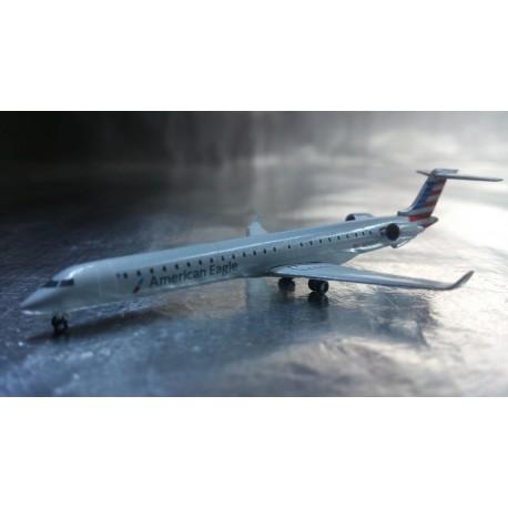 * Herpa Wings 528856  American Eagle Bombardier CRJ-900