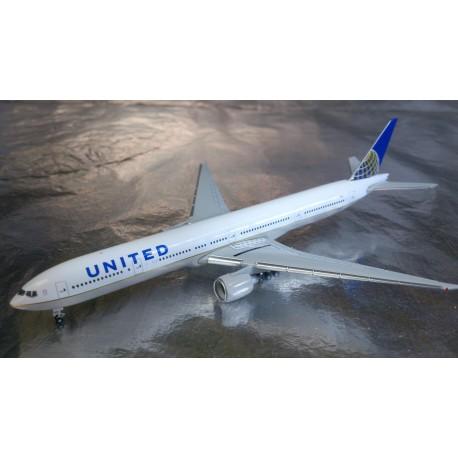 * Herpa Wings 529877  United Airlines Boeing 777-300ER