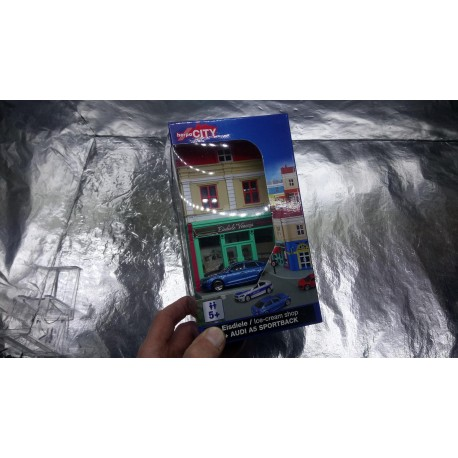 * Herpa City 800051 ice cream parlor with die-cast model