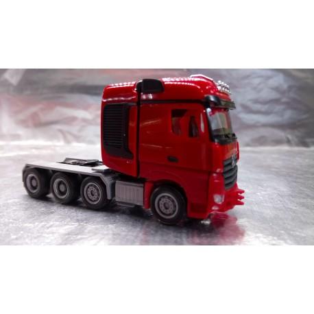 * Herpa Trucks 307734  Mercedes-Benz Arocs Bigspace heavy duty rigid tractor, red