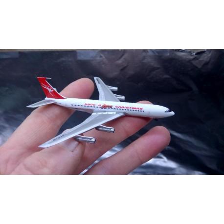"* Herpa Wings 529488  Qantas Boeing 707-300C ""Have a Qantastic Christmas"""