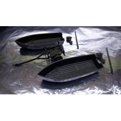 * Herpa Military 741200 2 boats and a trailer parts with engines and eye/hook poles