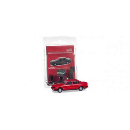 * Herpa Minikit 012201-004  Herpa BMW 5, flame red