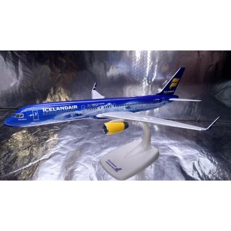 """* Herpa Snap Fit 611848  Icelandair Boeing 757-200 """"80 Years of Aviation"""" - TF-FIR """"Vatnajökull"""""""
