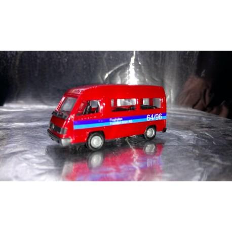 * Herpa Cars 043014  Mercedes-Benz 100D bus, raised roof Flughafen Frankfurt
