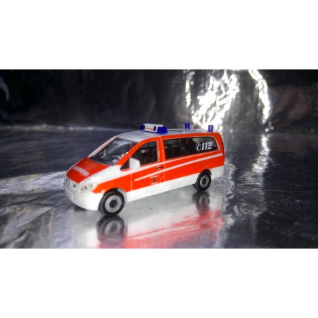 "* Herpa Cars 047852  Mercedes-Benz Vito VRW ""Itzehoe fire department"""