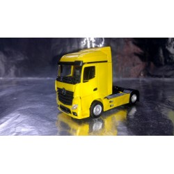* Herpa Trucks 309233  Mercedes-Benz Actros Streamspace 2.5, yellow
