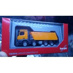 * Herpa Trucks 302517  Mercedes-Benz Arocs M dumper Meiller, 4-axles