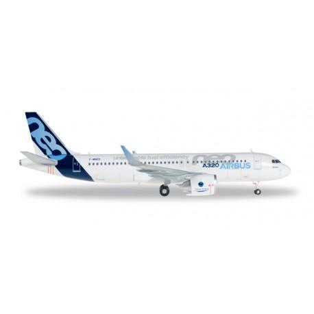 * Herpa Wings 557894  Airbus A320NEO