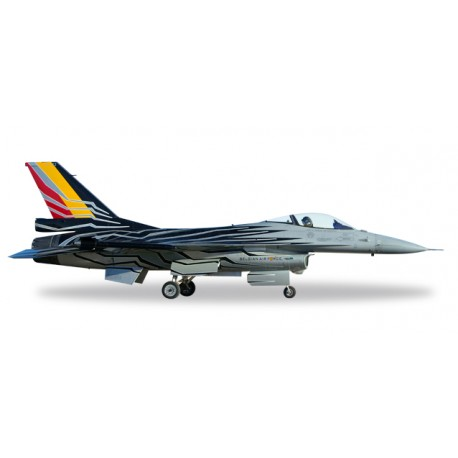 * Herpa Wings 580137  Belgian Air Force Lockheed Martin F-16AM Fighting Falcon - F-16 Solo Display Team