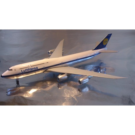 "* Herpa Wings 527743  Lufthansa Boeing 747-8 Intercontinental ""Retro"""