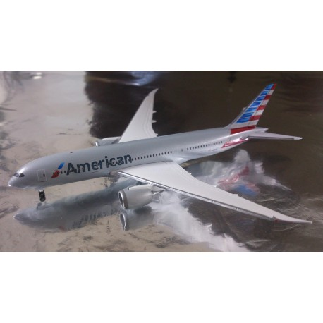 * Herpa Wings 527606  American Airlines ® Boeing 787-8 Dreamliner