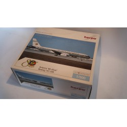 "* Herpa Wings 510103  Avianca Boeing 757-200 ""80 años"" + Display Case"