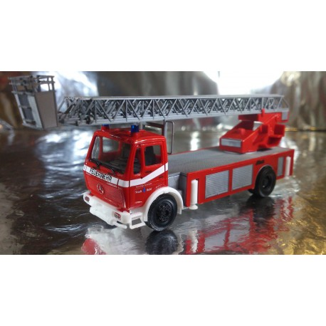 "* Herpa Trucks 092517  Mercedes-Benz Metz turnable ladder DLK ""Buehl fire department"""