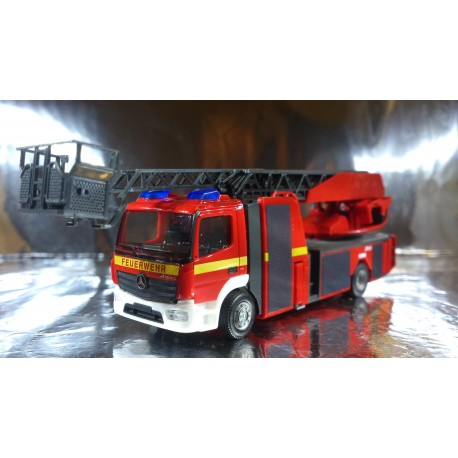 "* Herpa Trucks 091930  Mercedes-Benz Atego metz turnable ladder XS ""Fire department"""